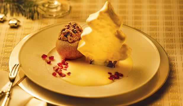 Weihnachtsmenü 4: Christstollen-Parfait mit Bratapfel